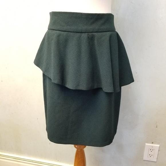 Zara Dresses & Skirts - Zara hunter green overlay skirt (D4-0)